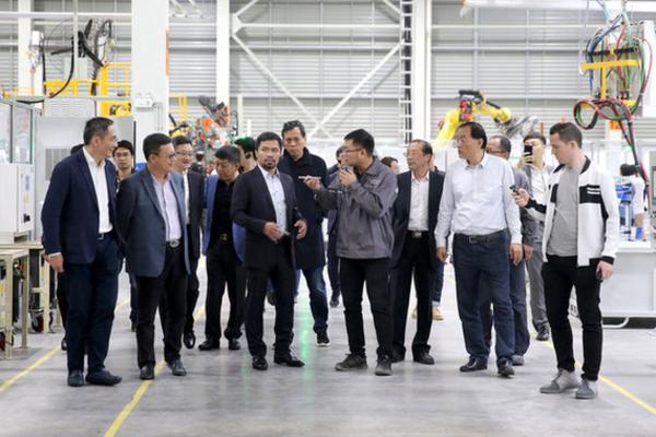 拳坛传奇曼尼·帕奎奥Manny Pacquiao参观天际汽车绍兴工厂